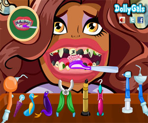 Thumbnail of Clawdeen Wolf Bad Teeth